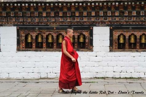 bhutan_monk