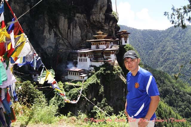 bhutan_tigernest_selfie
