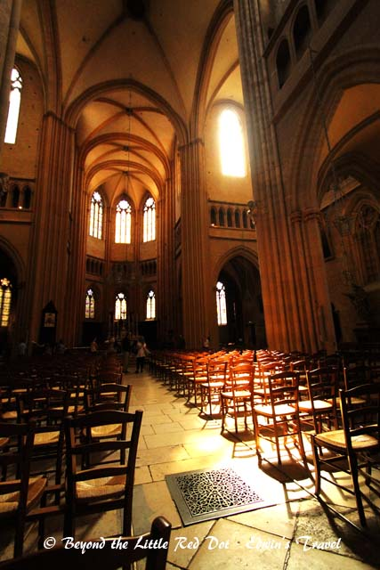The inside of the Dijon Cathedral. This is the main church of Dijon but is very simplistic in its design and décor.
