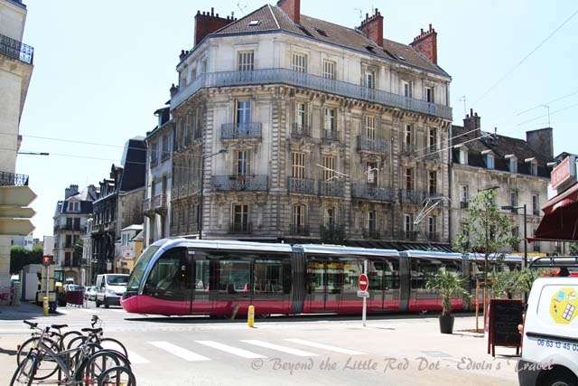 The new tram service in Dijon. It was not in operation yet while we were there.