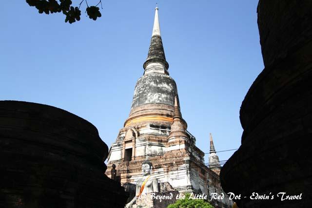 My first stop is Wat Yai Chai Mongkhon.