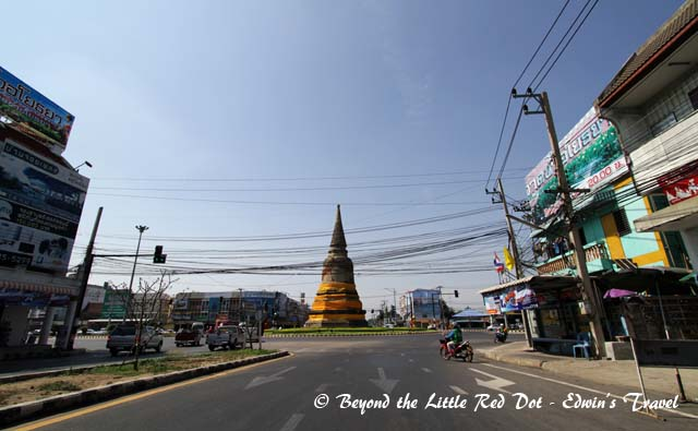There are stupa ruins all over the city. This large one is in the centre of a major intersection.