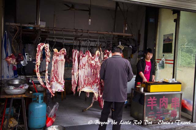 A meat stall near my hotel as I was waiting to catch a taxi. They are selling lamb kebabs, RMB2 per stick.