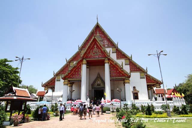 Wiharn Phra Mongkol Bophit.