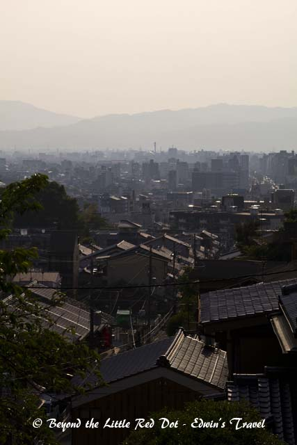 You can see Kyoto city from here.