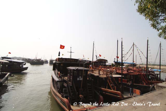 Setting off on our boat trip to Ha Long Bay.