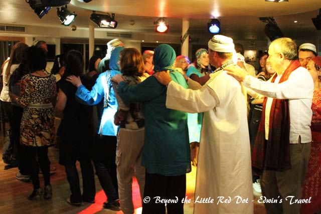 The ship's crew organized a Galabia theme party for the guests that night.