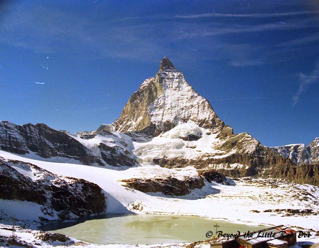 A small lake where you can get a beautiful reflection of the Matterhorn in summer.