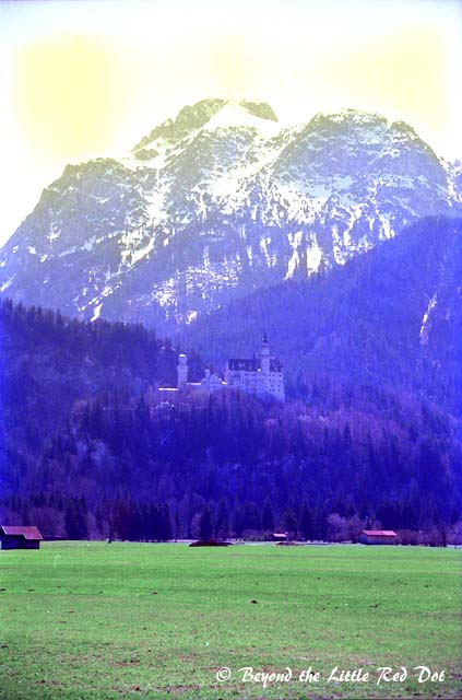 Picture of Neuschwanstein from the road approaching Füssen. The photos are scanned from negatives more than 10 years old, and they were already faded.