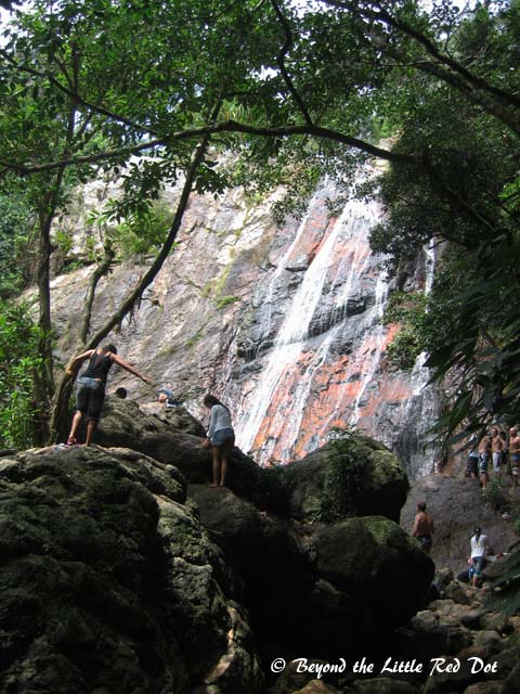 There is a small waterfall called Namuang. Not that interesting but something to see.