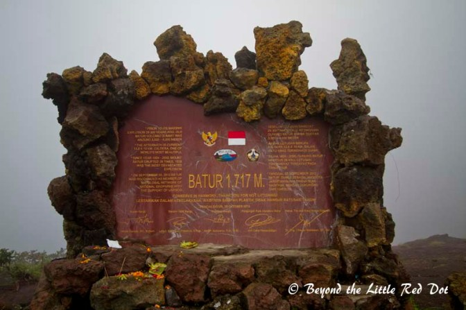 The marker that everyone takes a photo with to show our accomplishment of conquering Mt Batur.