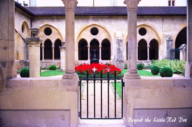 The inside courtyard of the Collegiate Church.