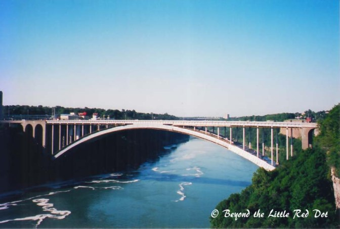 The Rainbow Bridges that crosses the Niagara River and joins the USA to Canada.