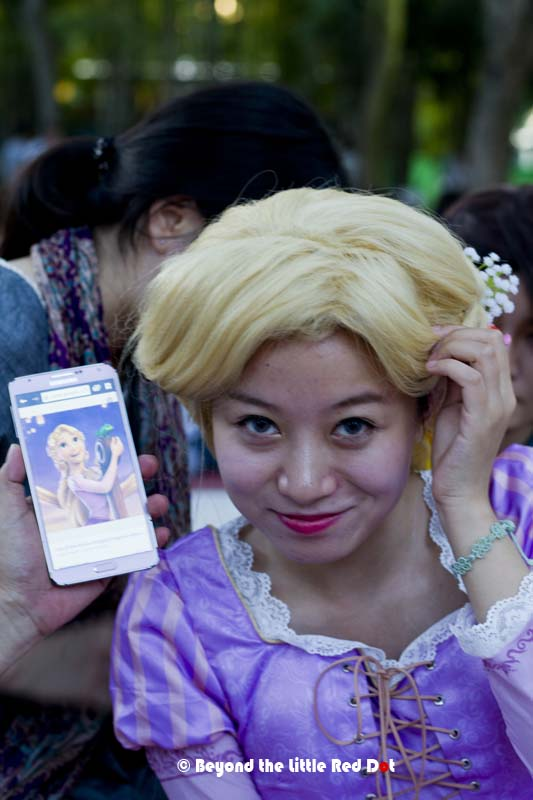 By the power of Cosplay, she is transformed into Rapunzel.
