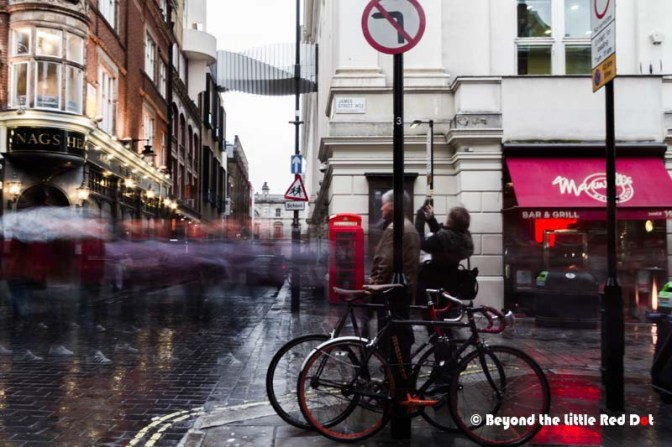Life in slow motion on 1 of streets near Covent Garden.