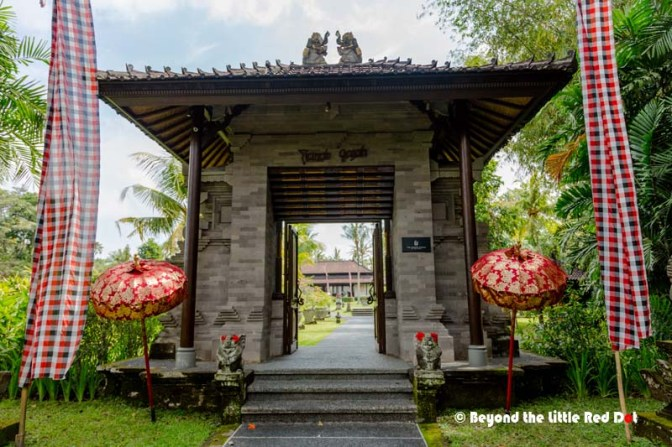 The entrance to the Chedi Club Hotel.