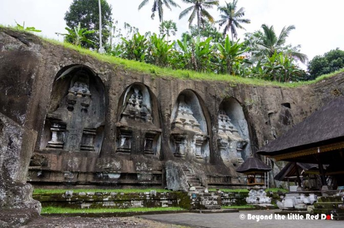 4 huge monuments are carved into the side of the cliff. They are called 'Candi' and are unique to Balinese culture.